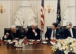 Metropolitan Mstyslav visiting President Ronald Reagan at the White House. 1985. (credit: The White House)